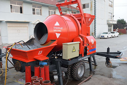 JS Twin Shaft Concrete Mixer With Pump Working