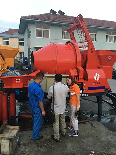 Concrete-Mixer-with-pump1.jpg